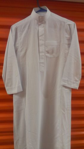 100% ORIGINAL Al-Haramain White Thobe (Boys size 44)